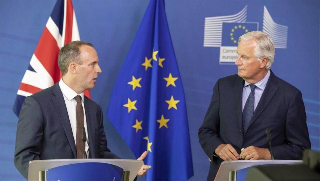 Британський міністром з питань Brexit Домінік Рааб і Мішель Барньє
