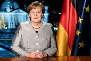 Merkel felicita a Zelensky y le invita a Berlín