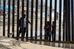Суд у Каліфорнії заблокував виділення грошей на стіну з Мексикою