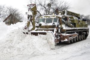 На Винниччине из-за сильного снега ограничили движение на двух международных трассах