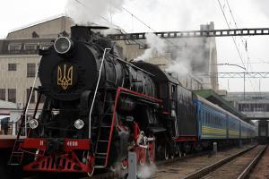 Укрзализныця запускает на Крещение праздничный паровоз