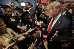 Трамп восемь раз вспоминал про Байдена в разговоре с Зеленским – WSJ