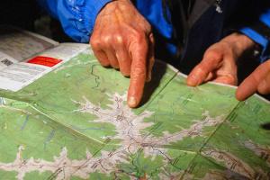 У Карпатах рятувальники відшукали заблукалих через зливу туристів