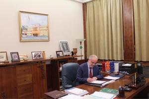 Албанский стал вторым официальным языком в Македонии