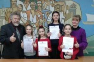 Работы воспитанниц Чугуевской художественной школы получили золотые медали во Франции