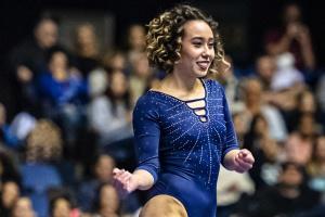 Шпагат после сальто: трюки американской гимнастки покорили сеть