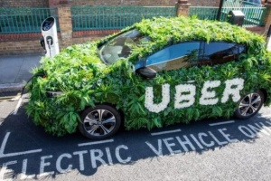 В Лондоне Uber поднял тариф, чтобы купить водителям электрокары