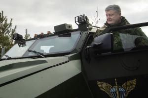 Präsident bestätigt staatliche Verteidigungsbestellung bis 2021