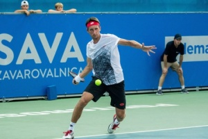 Стаховский с победы стартовал на турнире АТР в Ренне