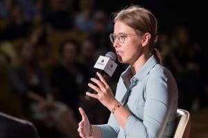 """Ксения Собчак заявила, что приехала в Киев """"без политического контекста"""""""