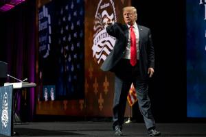 """Трамп пригрозив Ірану """"небаченим"""" ударом"""