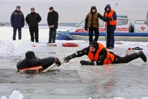 Полиция и спасатели отработали меры безопасности на Крещение