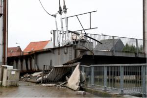 В Брюсселе обвалился мост