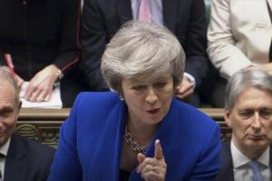 Британия катится в «жесткий Брекзит» с премьером, от которого невозможно избавиться