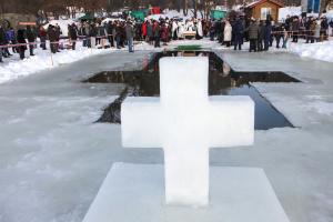 На Київщині 12 тисяч осіб взяли участь у масових купаннях на Водохреще - поліція