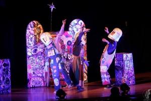 Чернігівський ляльковий театр повіз дітям Донбасу кращу виставу країни
