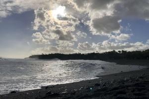 Гаваї кличуть туристів на новий незвичайний пляж