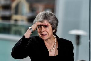 Brexit: Мэй проводит переговоры с министрами перед речью в парламенте