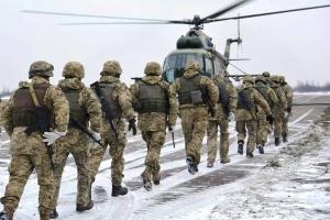На Приазовье десантники провели учения с боевыми вертолетами