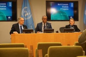 Риски в мировой экономике продолжают накапливаться - главный экономист ООН