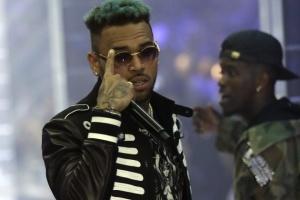 Известного американского певца задержали в Париже за изнасилование, - СМИ