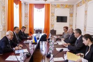 Украина активизирует политический и экономический диалог с Македонией