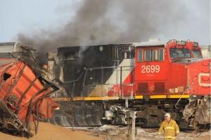 У Канаді зійшов з колії й загорівся потяг