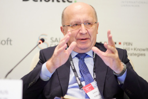 Санкции должны помочь РФ вернуться на путь демократии – евродепутат Кубилюс