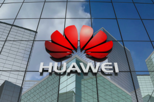 "Huawei готовит план Б, если Microsoft ""отрежет"" Android"