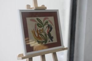 В метро открыли выставку малоизвестных картин Примаченко