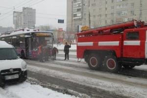 В центре Тернополя горит троллейбус