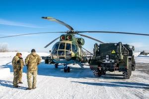 Украинские летчики отрабатывают мастерство на модернизированных вертолетах