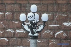 Киев заметает снегом