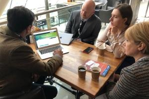 Австралійці й американці допоможуть наповнити е-платформу підручників в Україні