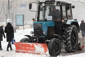 У КМДА показали, як чистять Київ від снігу