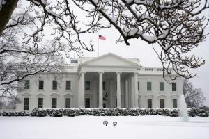 В Белом доме объяснили задержку военной помощи Украине