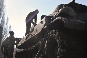 Ein Soldat im Donbass verwundet