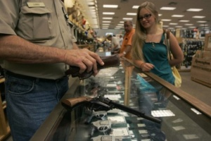 Американці торік придбали рекордну кількість зброї