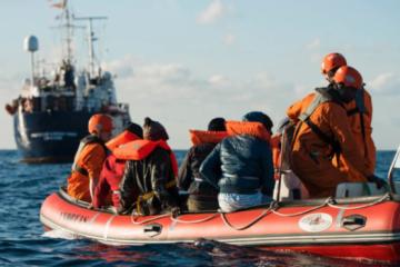 Кількість жертв аварії судна з мігрантами у Тунісі зросла до 48