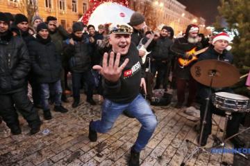 Cómo ha transcurrido la Nochevieja en Ucrania (Fotos)