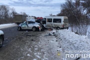 Vier Tote und mehrere Verletzte bei bei Horror-Crash in Region Charkiw - Fotos