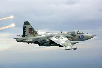 Ukrainian attack aircraft fly over Sea of Azov