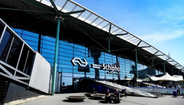 Через сильний вітер в аеропорту Амстердама скасували понад 200 рейсів