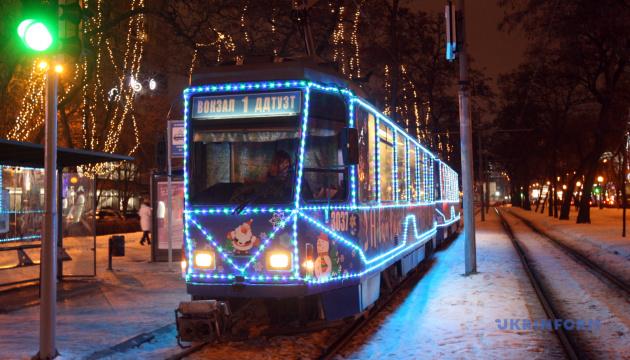 У Києві уночі з 14 по 17 січня скоротять режим роботи трамваїв №8 та 29
