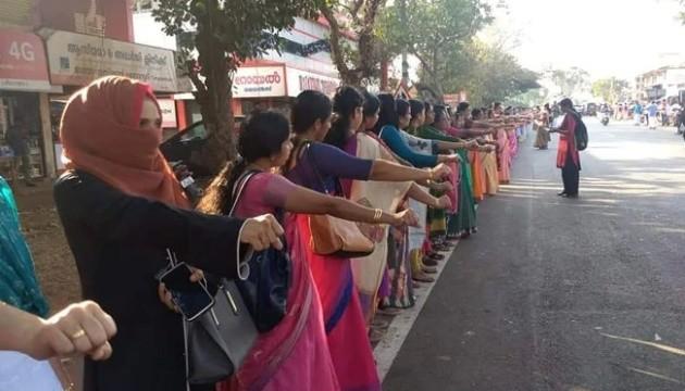 В Індії жінки утворили живий ланцюг 620 кілометрів завдовжки