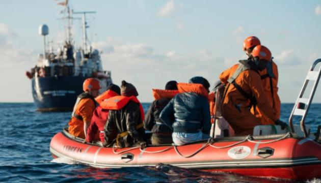 За вихідні у Середземному морі врятували близько 500 мігрантів