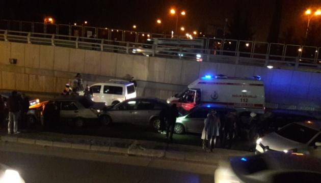 На юге Турции в ДТП столкнулись 10 авто: 7 раненых