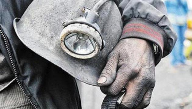 С августа без зарплаты: на Донбассе двое шахтеров объявили голодовку