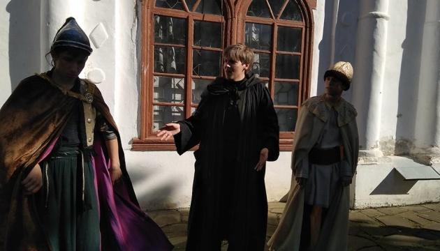 Театрализованные экскурсии помогли Чернигову стать одним из самых туристических городов