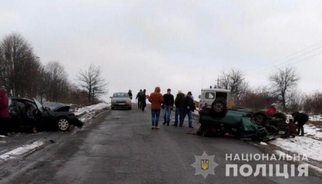 В ДТП в Винницкой области погибли трое и пострадали семь человек